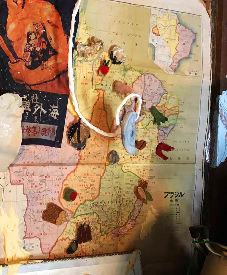 地図上のアップリケ