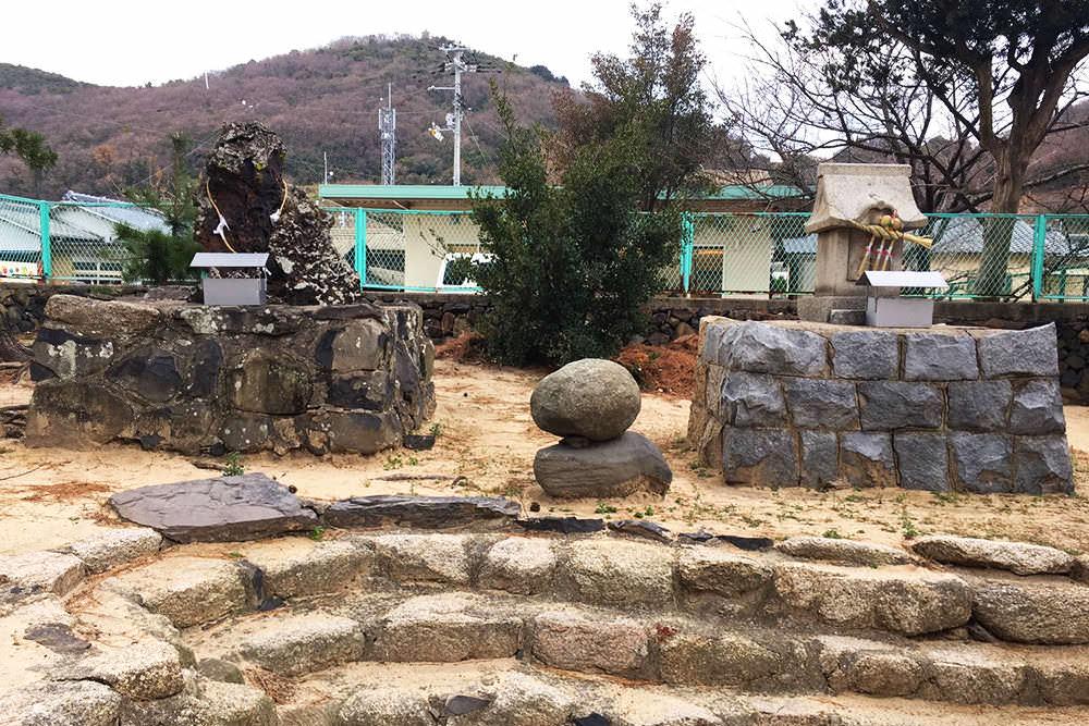 豊玉依姫大明神(八幡神社)